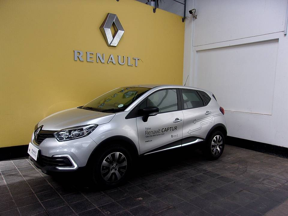 Used 2018 CAPTUR 0.9 TURBO BLAZE 66kW for sale in ...