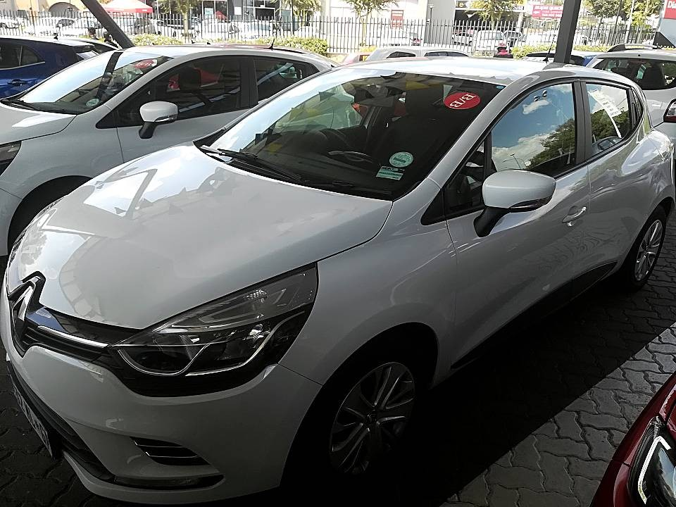 Drive Away Auto Sales >> Used 2017 CLIO 4 0.9 AUTHENTIQUE TURBO for sale in Johannesburg - Renault Retail Fourways