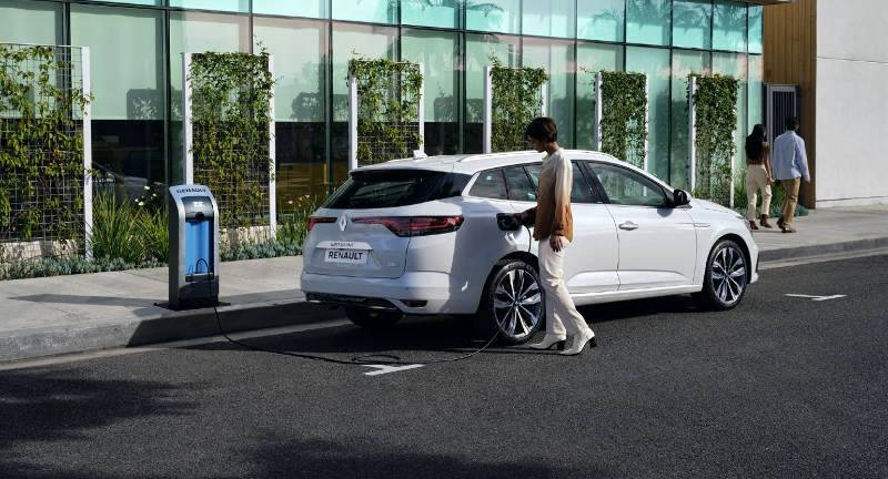 All there is to know about the plug-in hybrid car